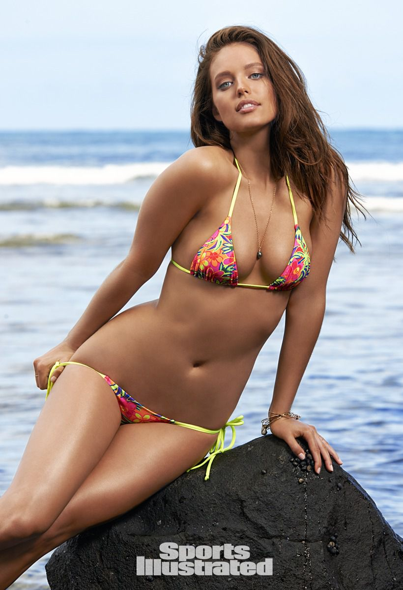 ... 2015 820 × 1200 Emily DiDonato – Sports Illustrated Swimsuit Issue