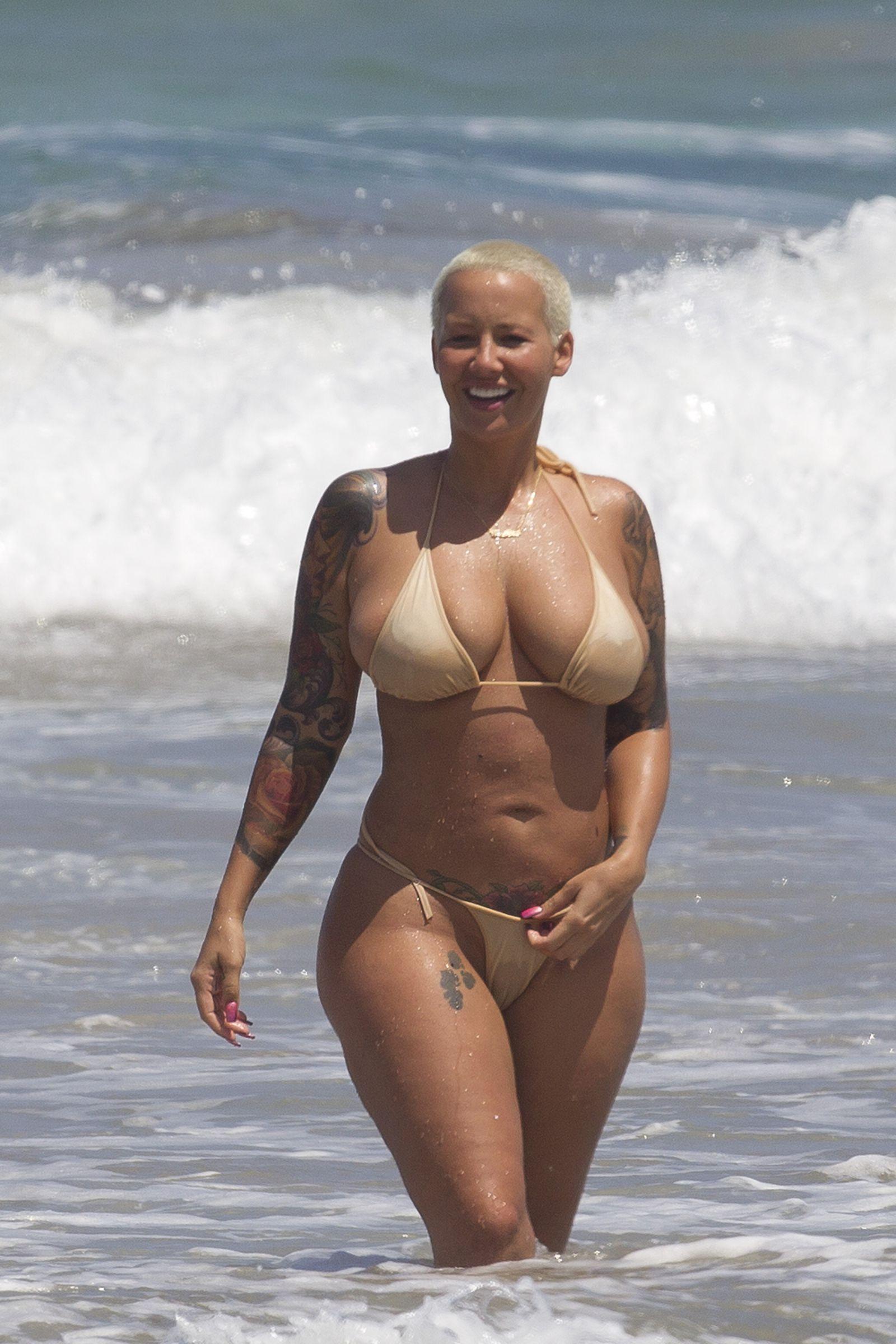 Sissy cockloving topless bikini shows cum hungry