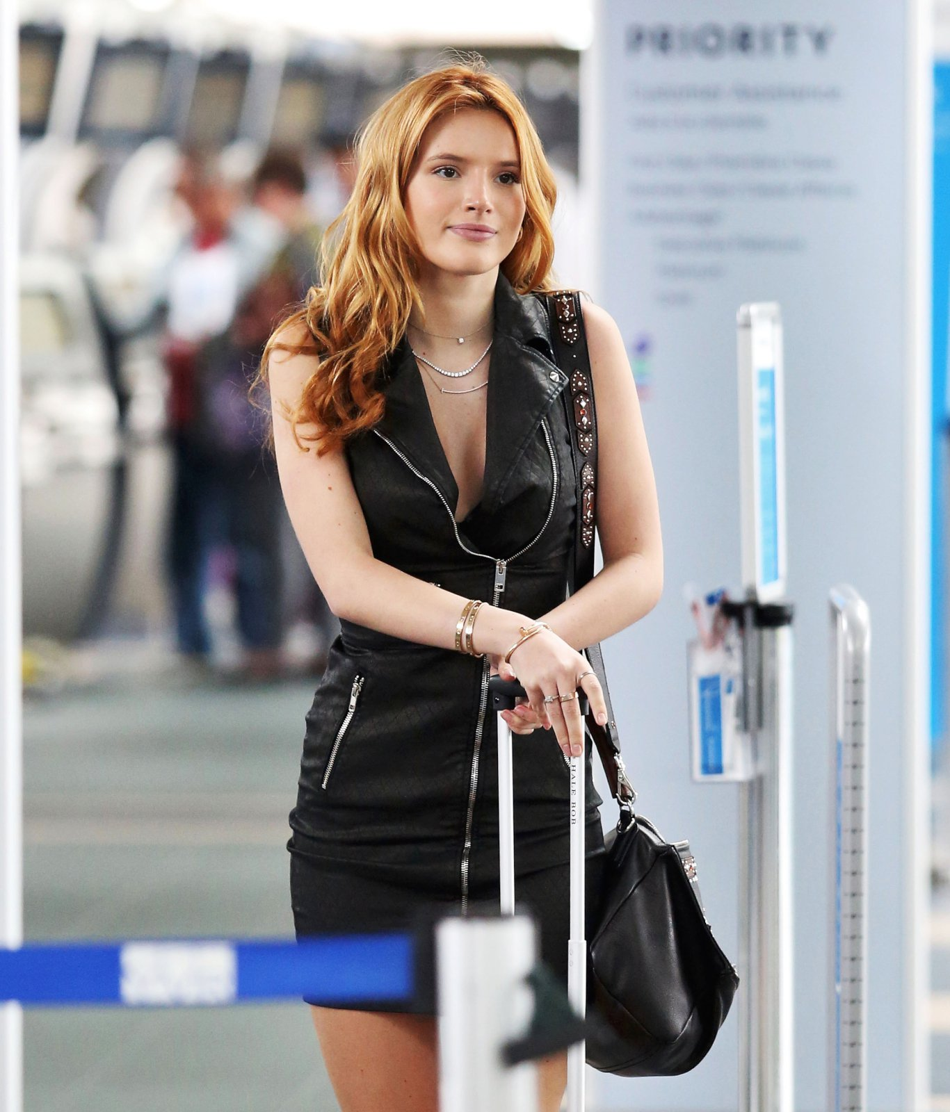 Bella thorne 10 hot celebs home pictures to pin on pinterest
