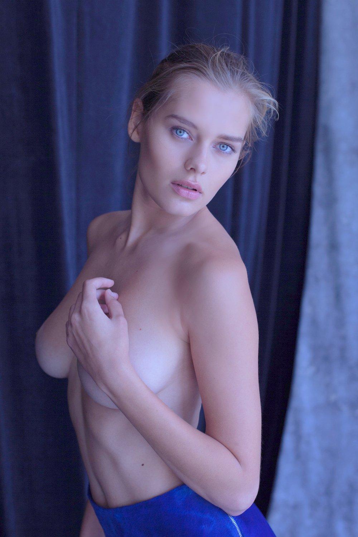 Klara g nackt vid