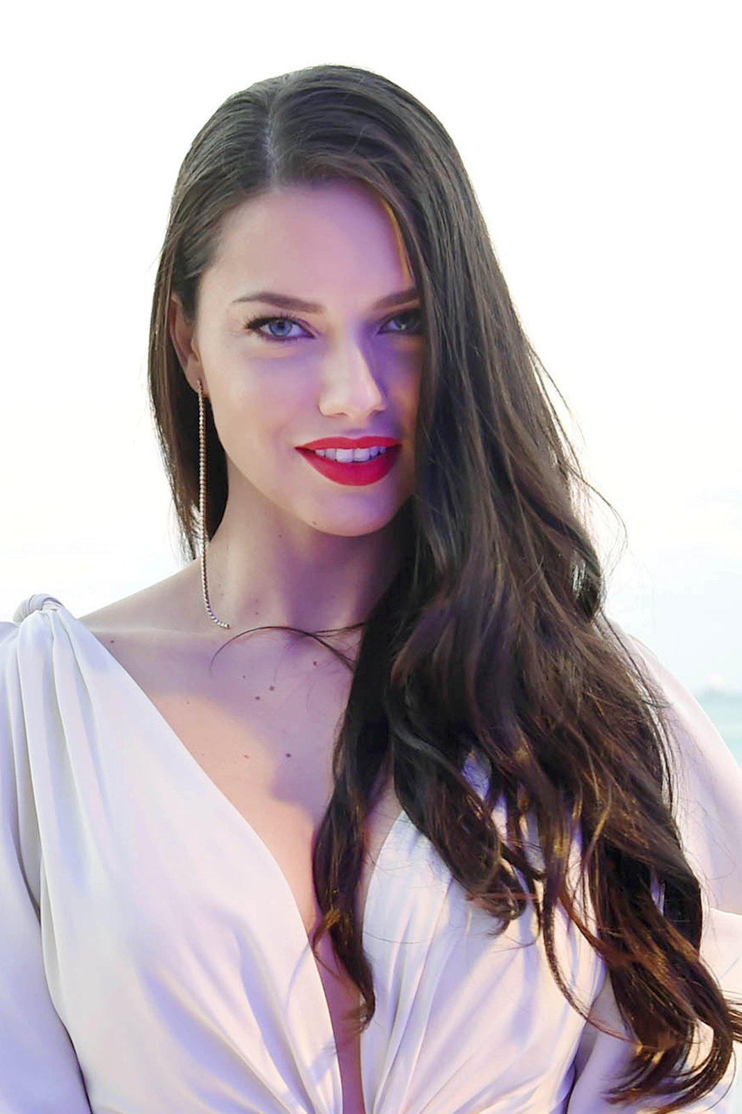 Adriana Lima (1) | Hot Celebs Home