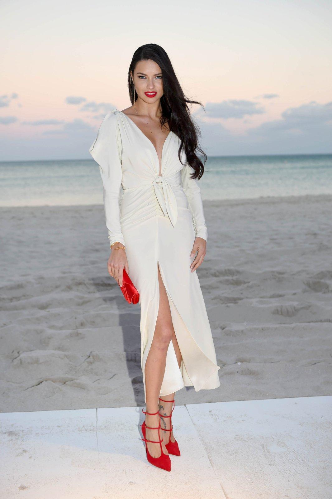Adriana Lima (2) | Hot Celebs Home