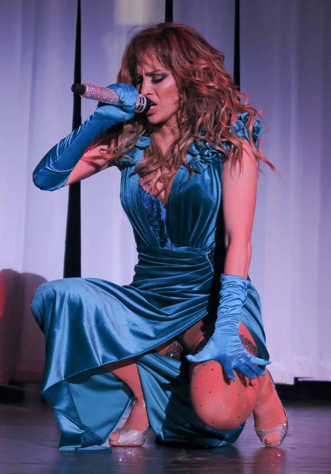 Jennifer Lopez (28) | Hot Celebs Home