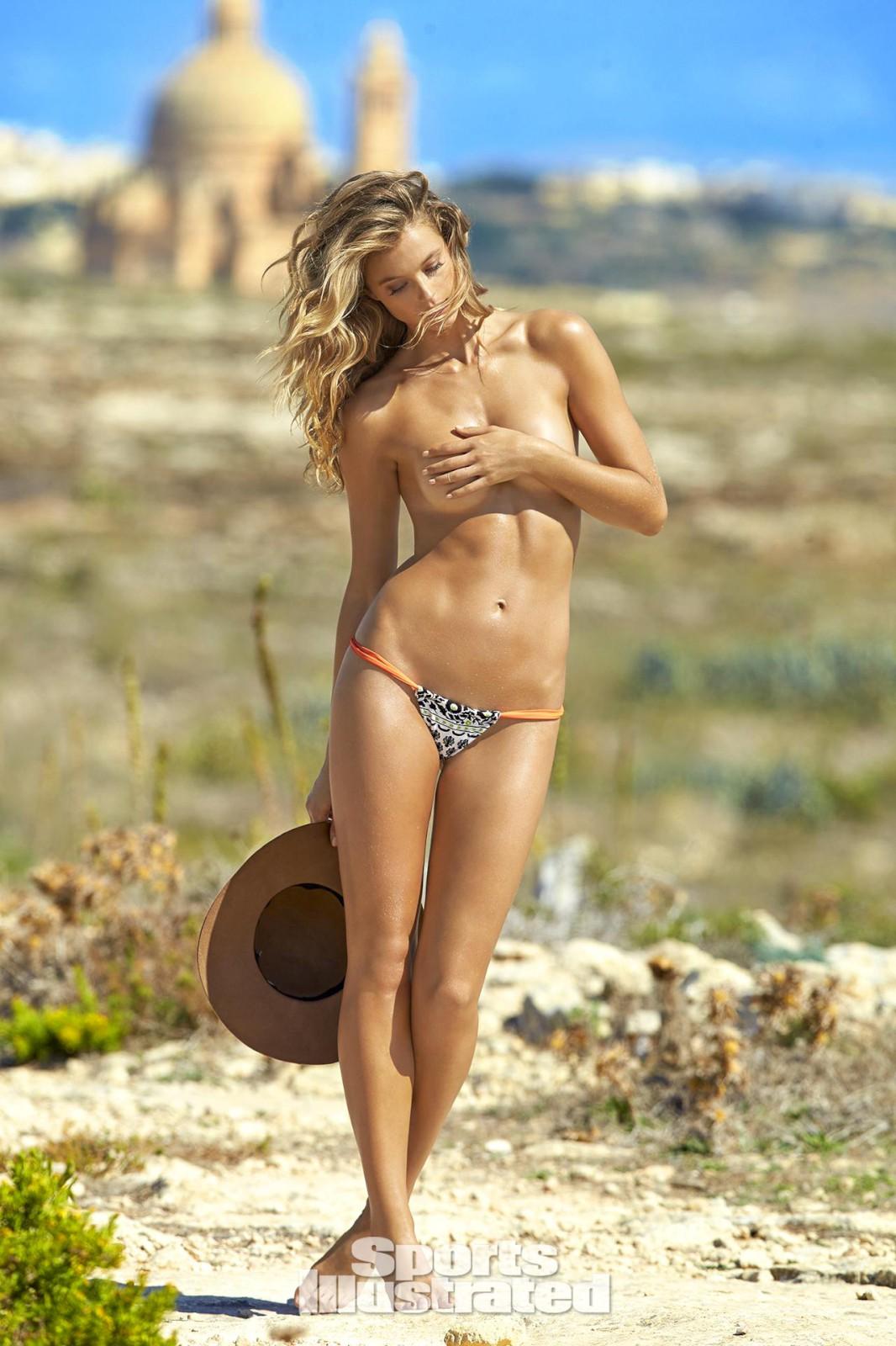 February 15, 2016 1066 × 1600 Kate Bock – Sports Illustrated ...