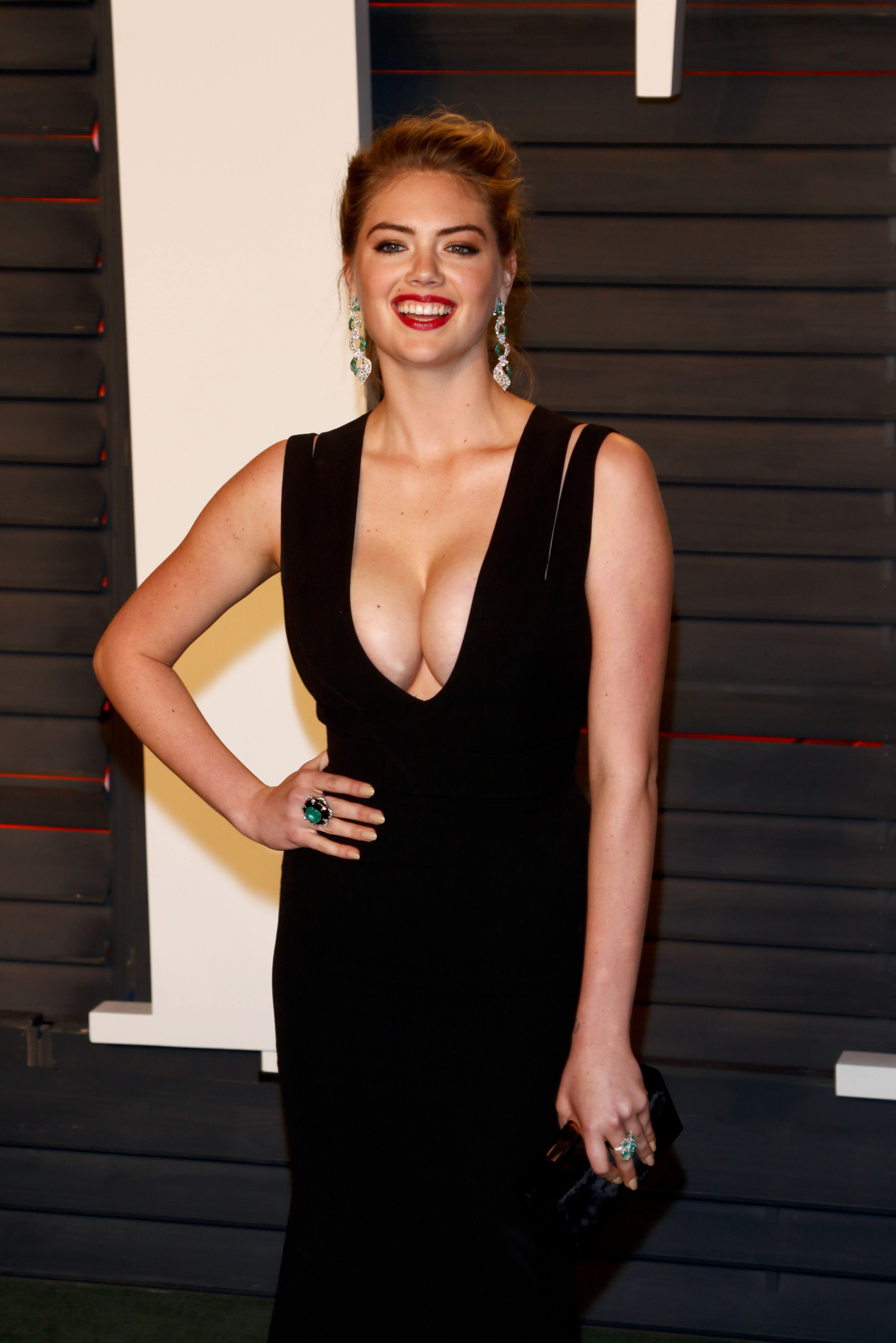 Kate Upton - Vanity Fair Oscar 2016 Party in Beverly Hills, CA
