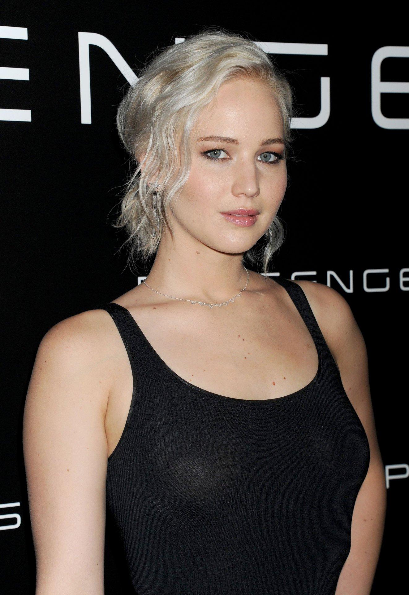 Jennifer Lawrence (6) ... Jennifer Lawrence