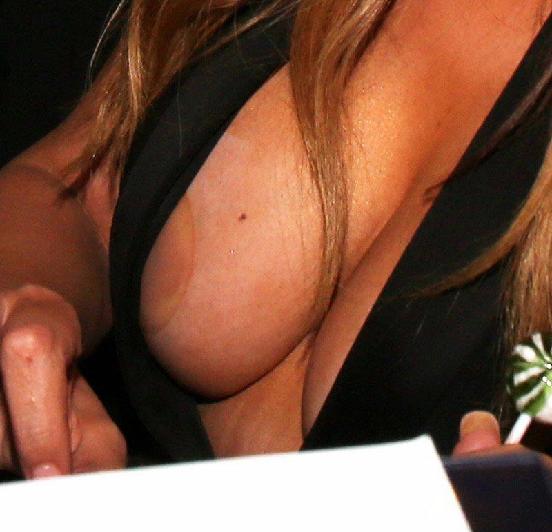 Mariah carey nipple