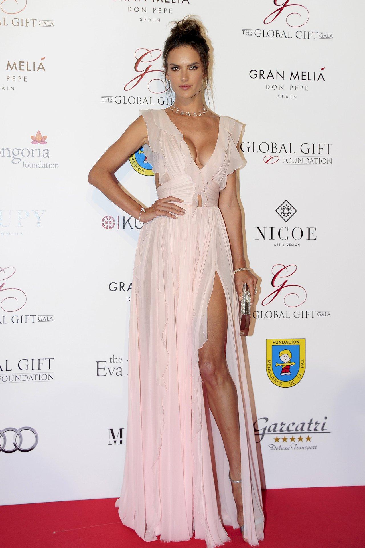 Alessandra Ambrosio (3) | Hot Celebs Home