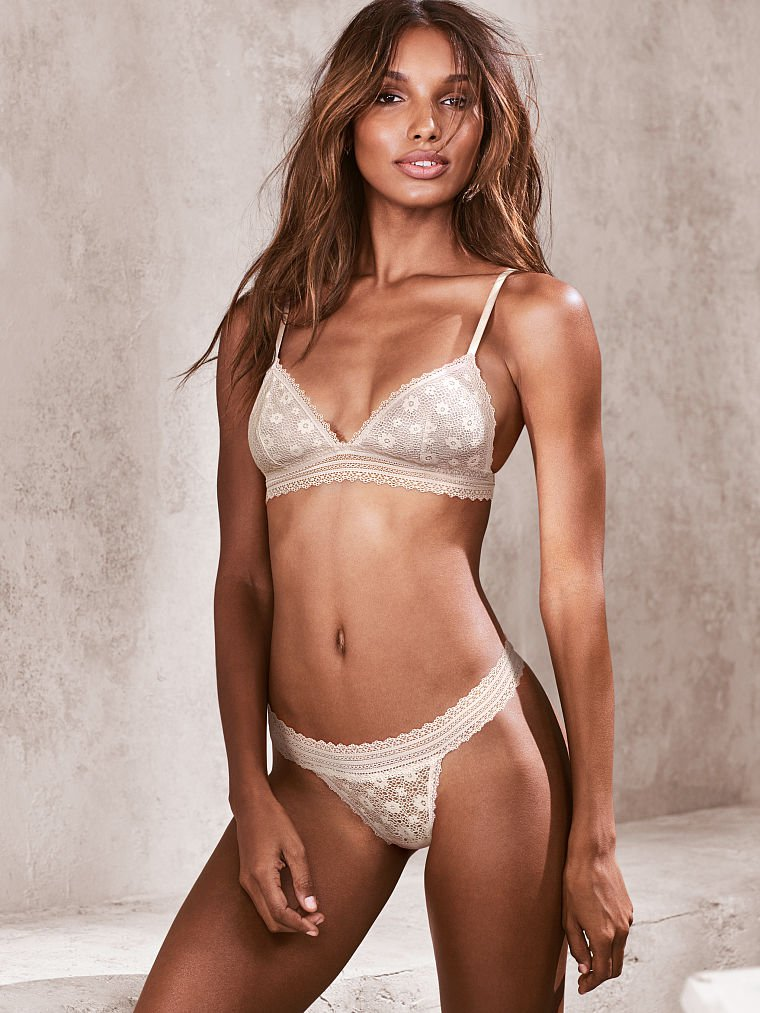 Jul 12, · After L Brands LB announced weak sales for the month of June at Victoria's Secret, the stock dropped nearly 10%. The VS parent company said it .