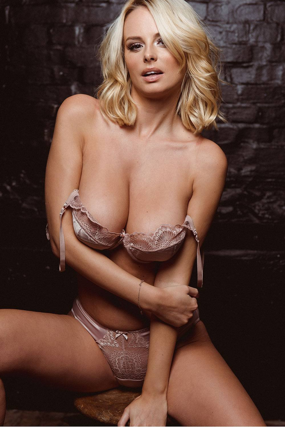 Erotica Rhian Sugden nudes (82 photo), Pussy, Paparazzi, Twitter, cleavage 2006
