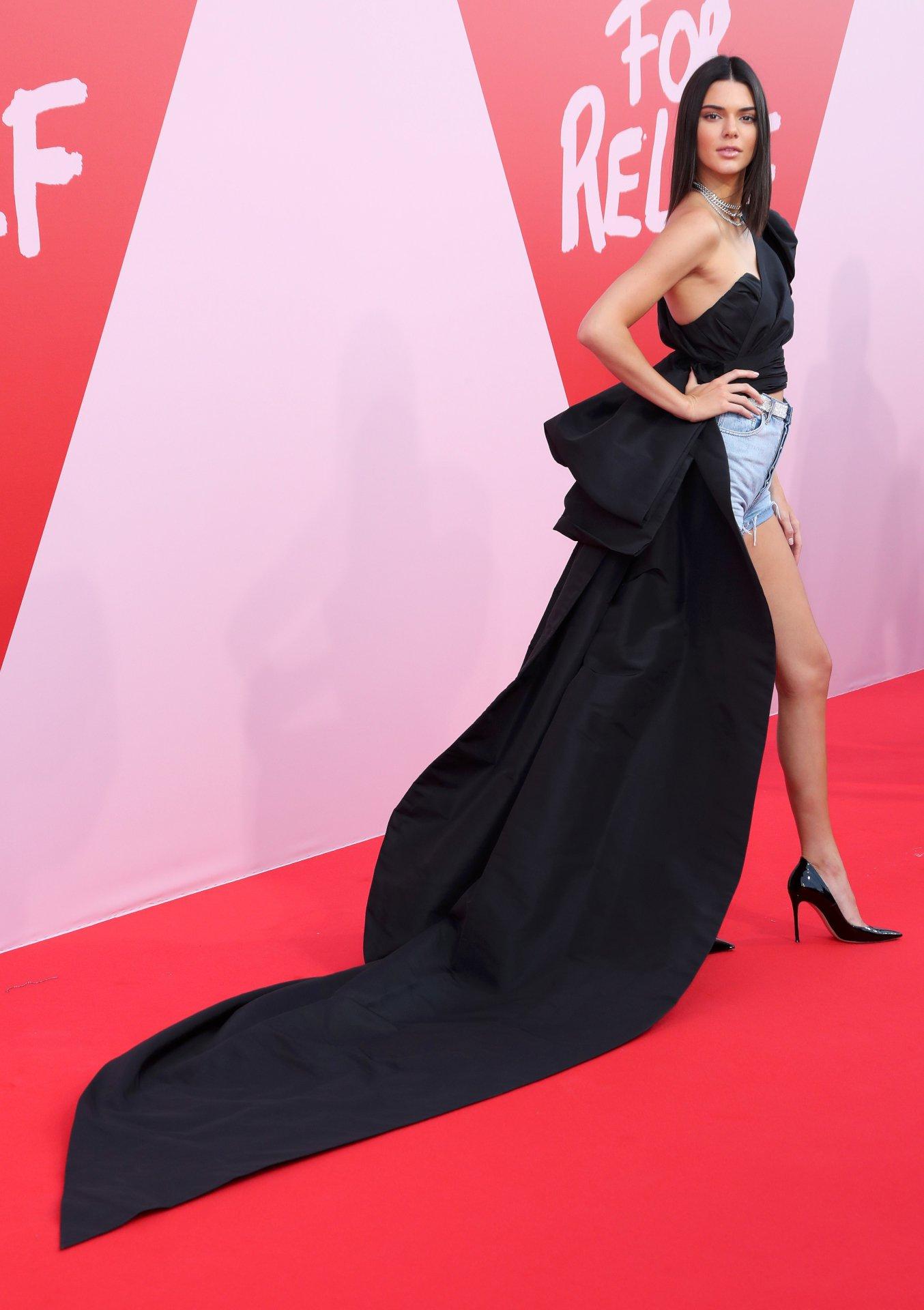 Kendall Jenner (17) | Hot Celebs Home Amanda Seyfried