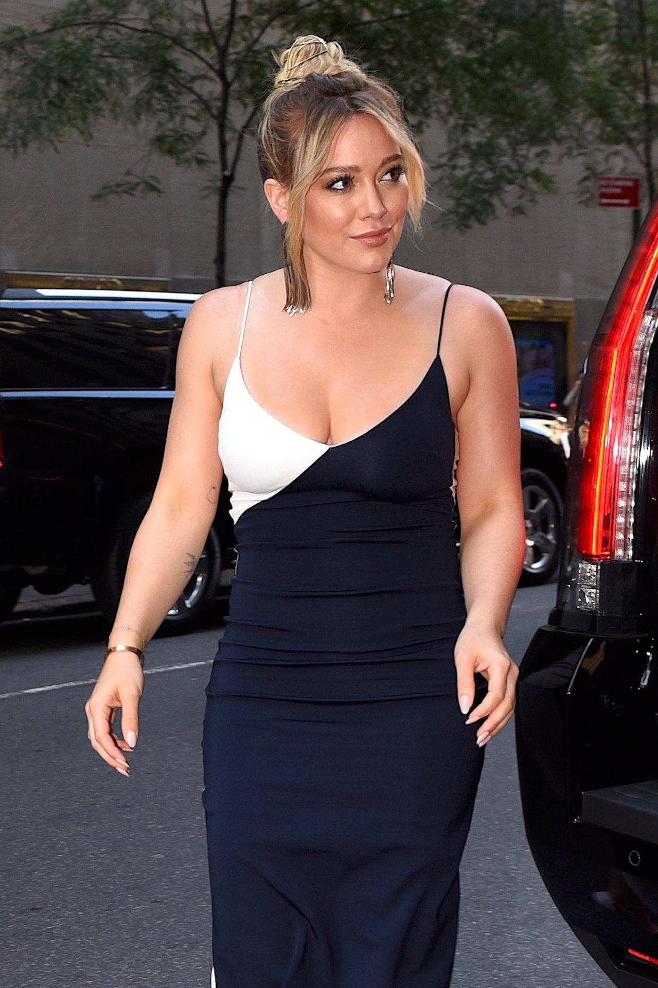 Hilary Duff S Tits 55