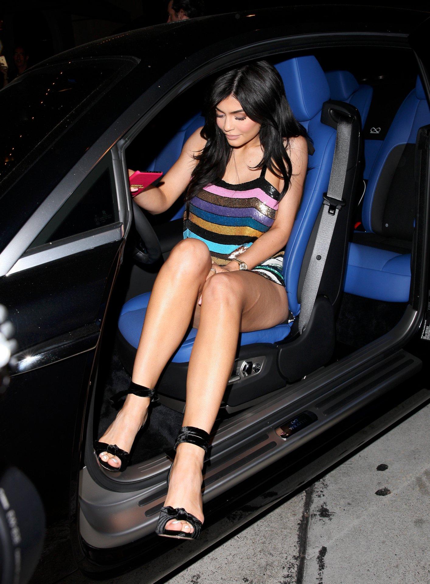 Kylie Jenner Legs | Ho...