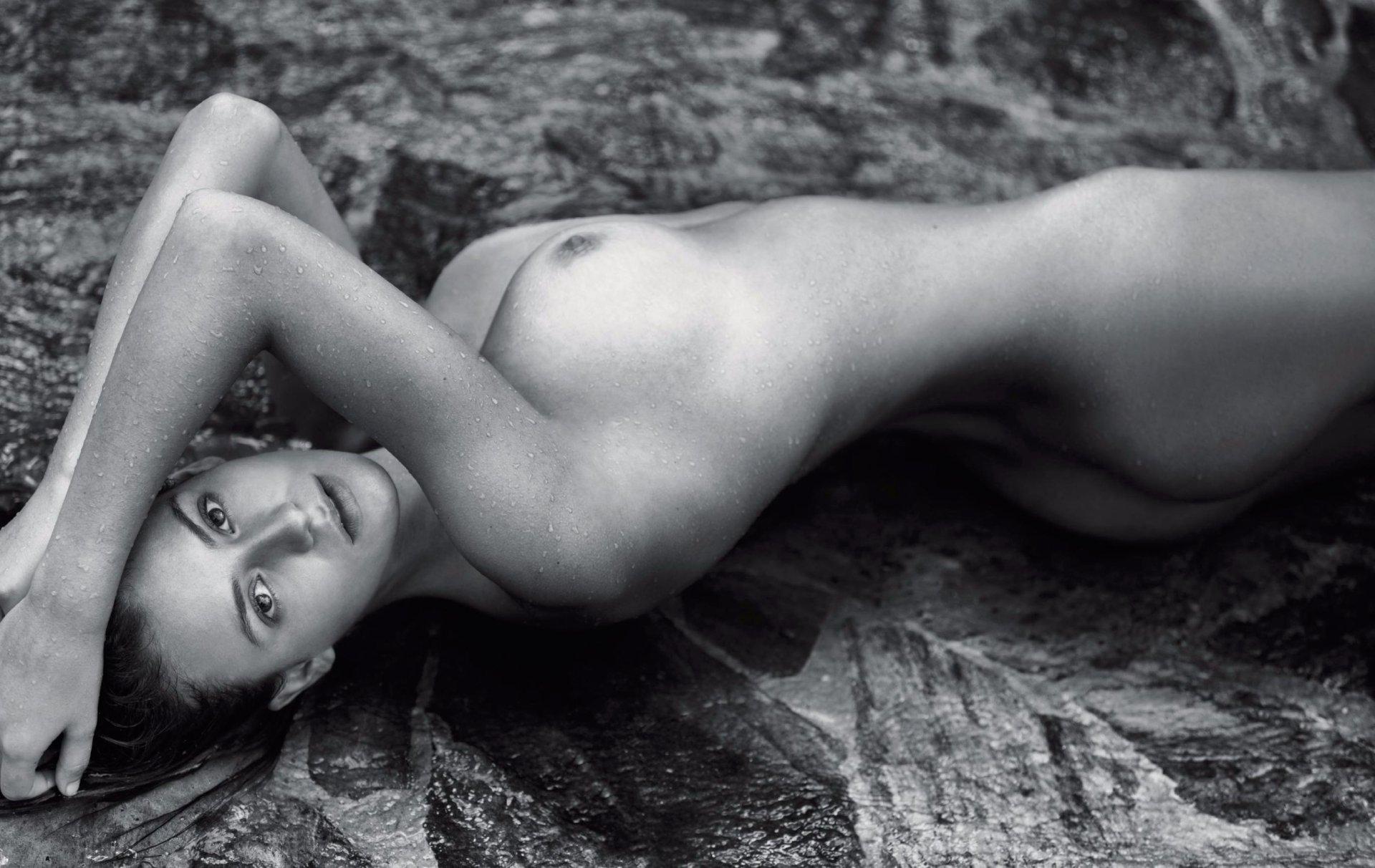 Cleo magazine centrefold nude