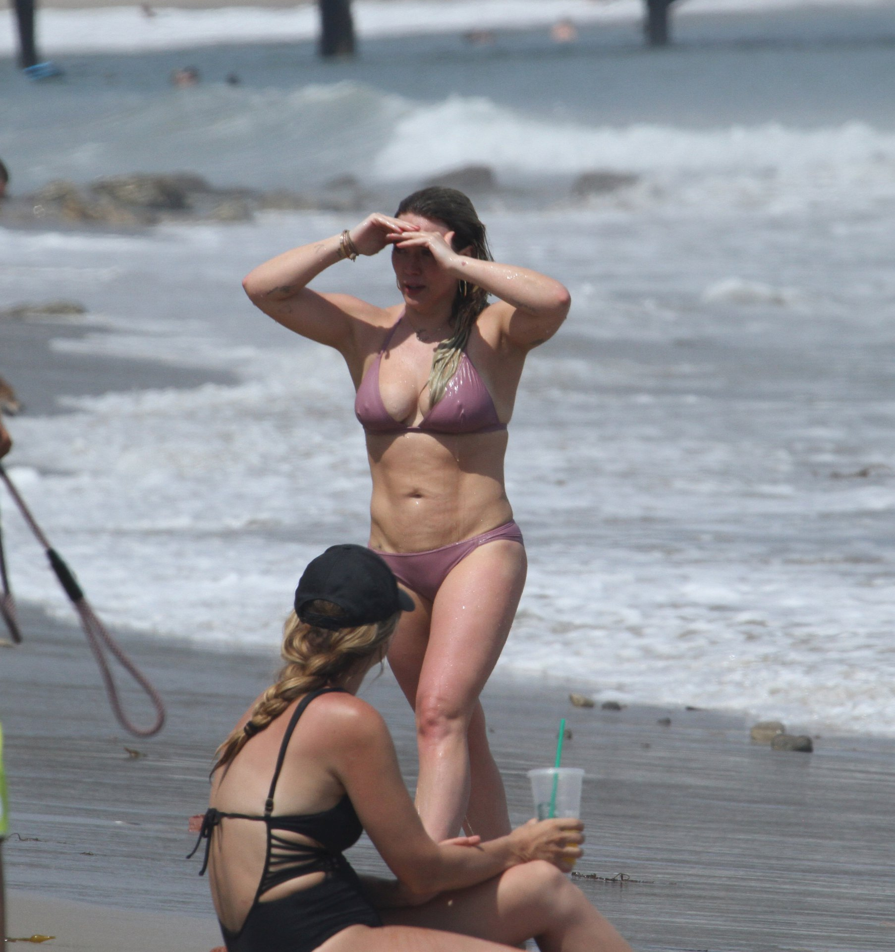 На пляже не стесняются фото