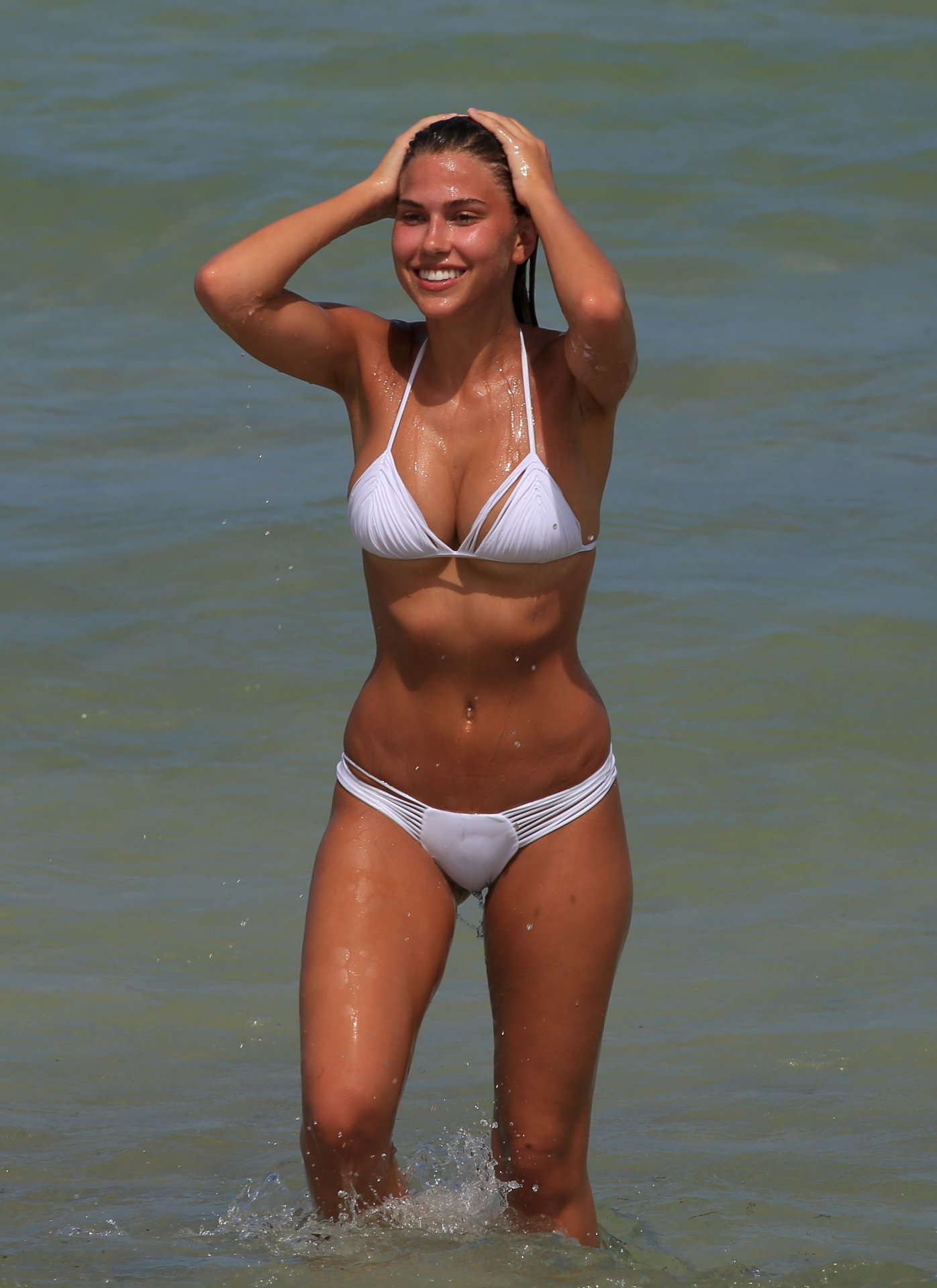 Kara Del Toro in Bikini Hot Photos  Pic 12 of 35