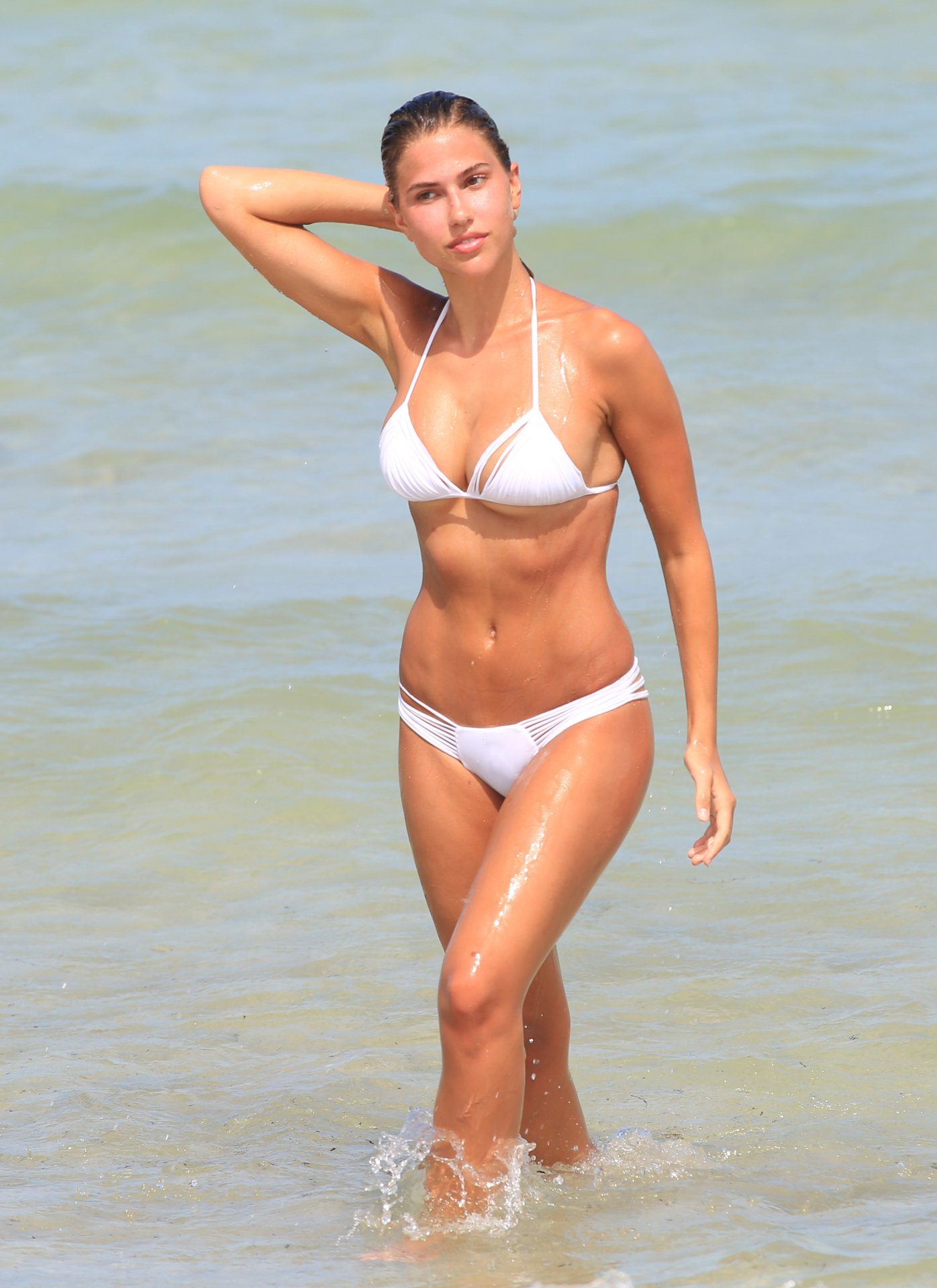 Kara Del Toro in Bikini Hot Photos  Pic 3 of 35