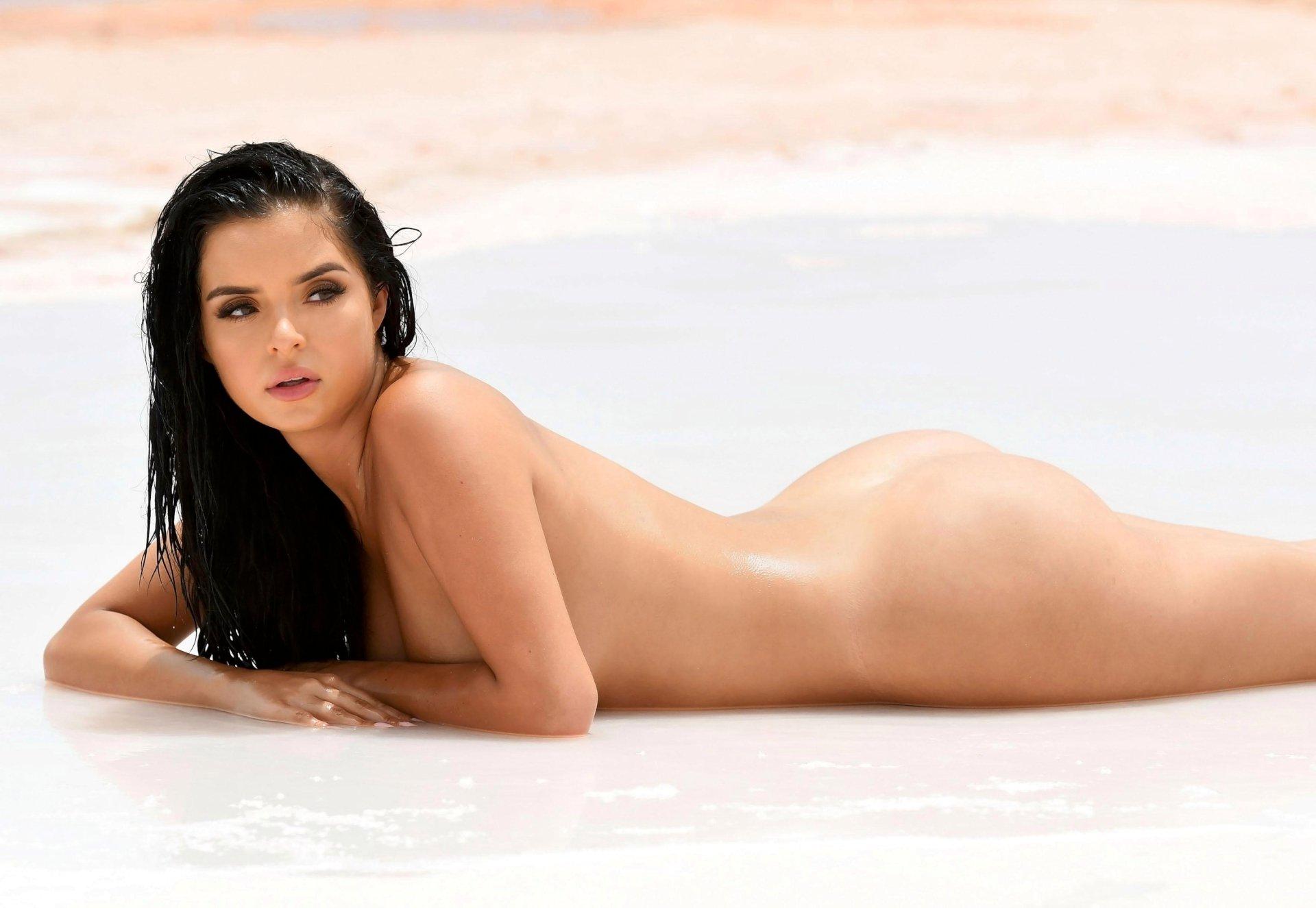 Girls sexy garnian naked