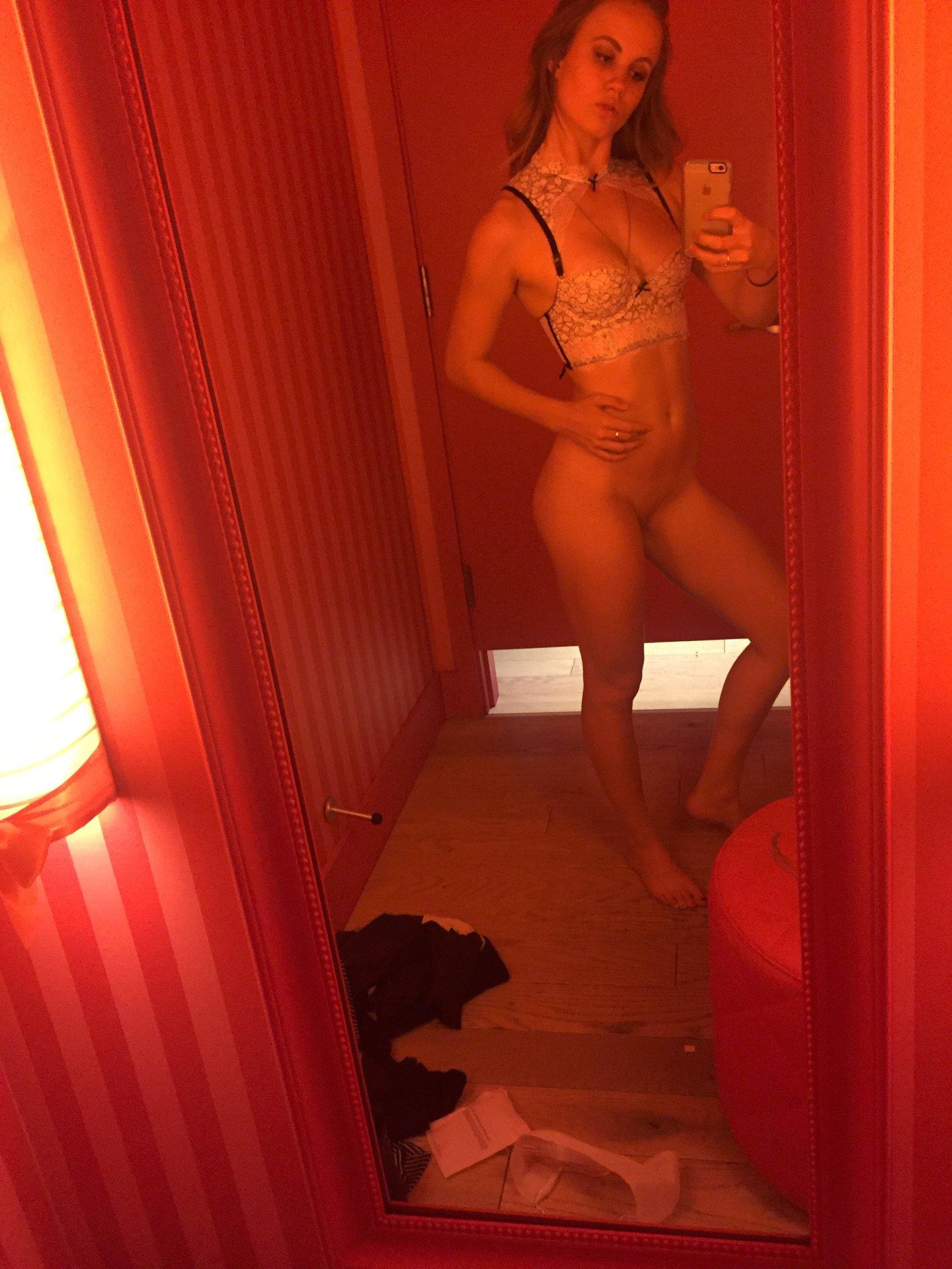 Amanda seyfried nude sex scene in chloe scandalplanetcom 2