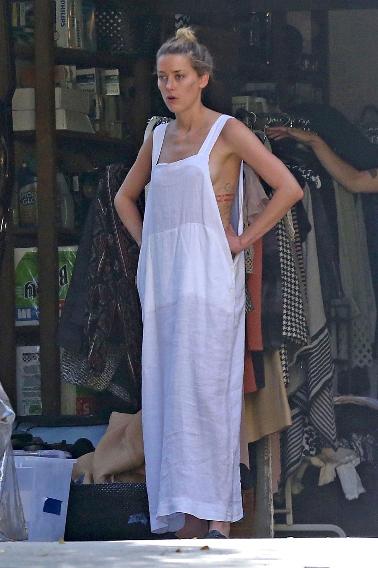 Amber Heard Topless Pics amber heard topless oops - hot celebs home