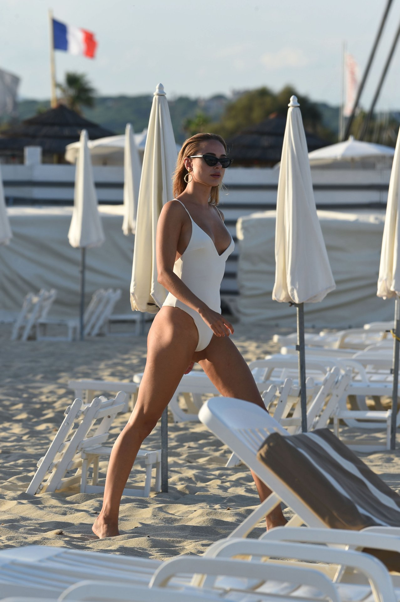 Victoria Beckham Topless Nude Sunbathing Photos recommend