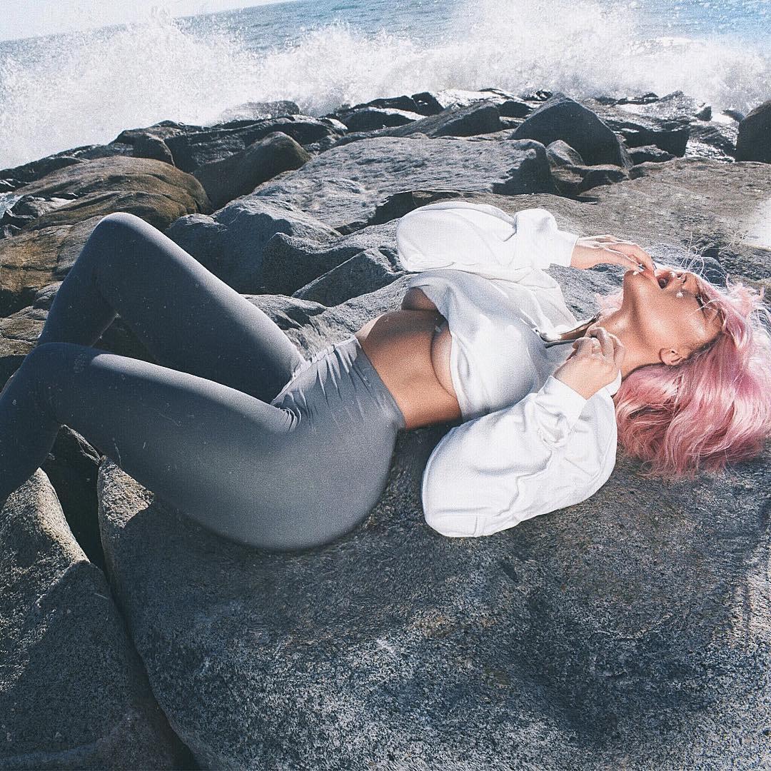 Aubrey O'Day Underboobs new pictures