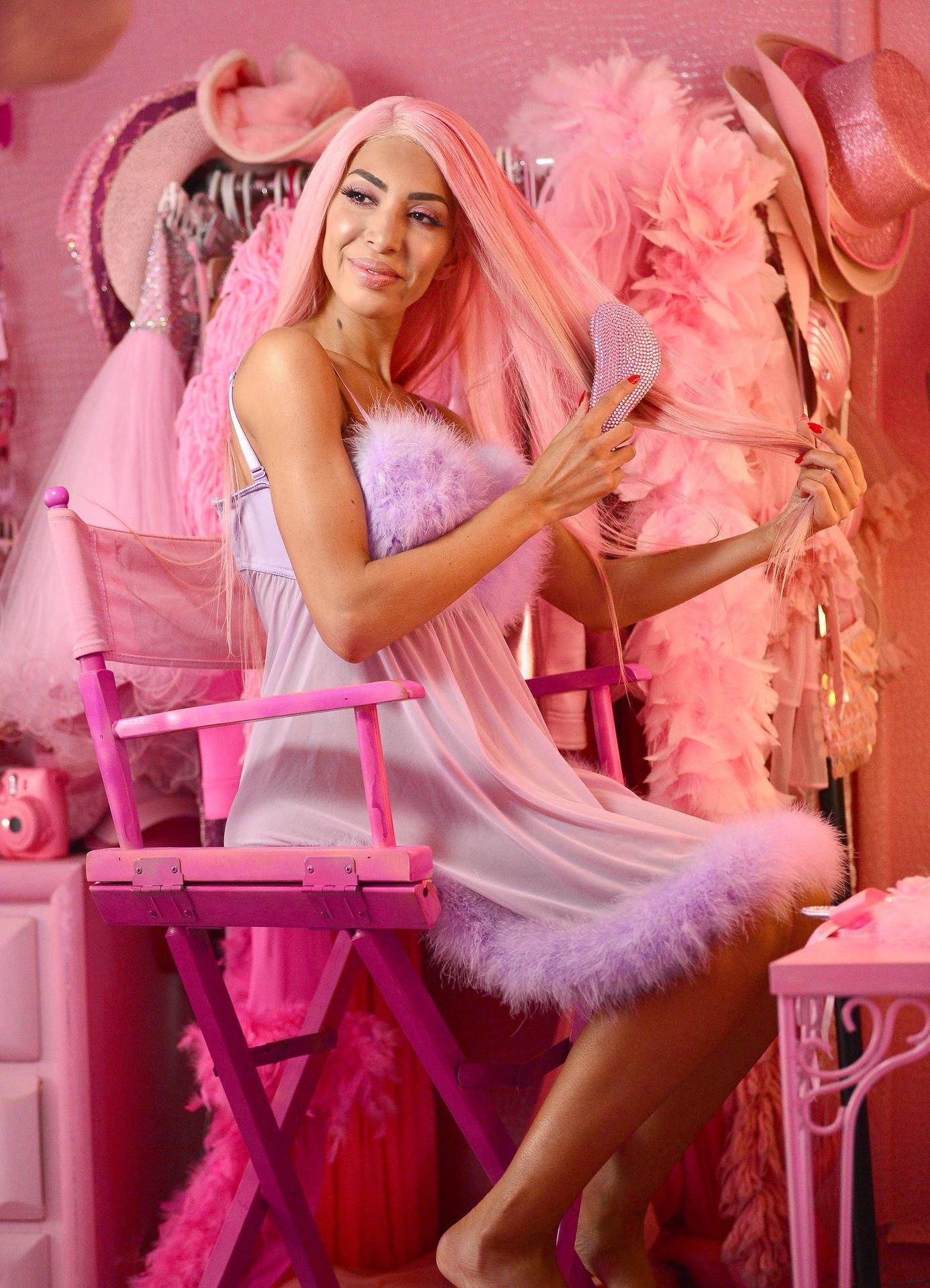 Farrah Abraham - Pantyless at PrettyLittleThing x Hailey