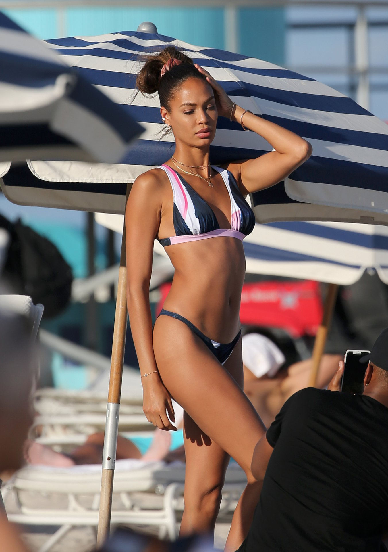Watch Joan Smalls Topless - 9 Photos video