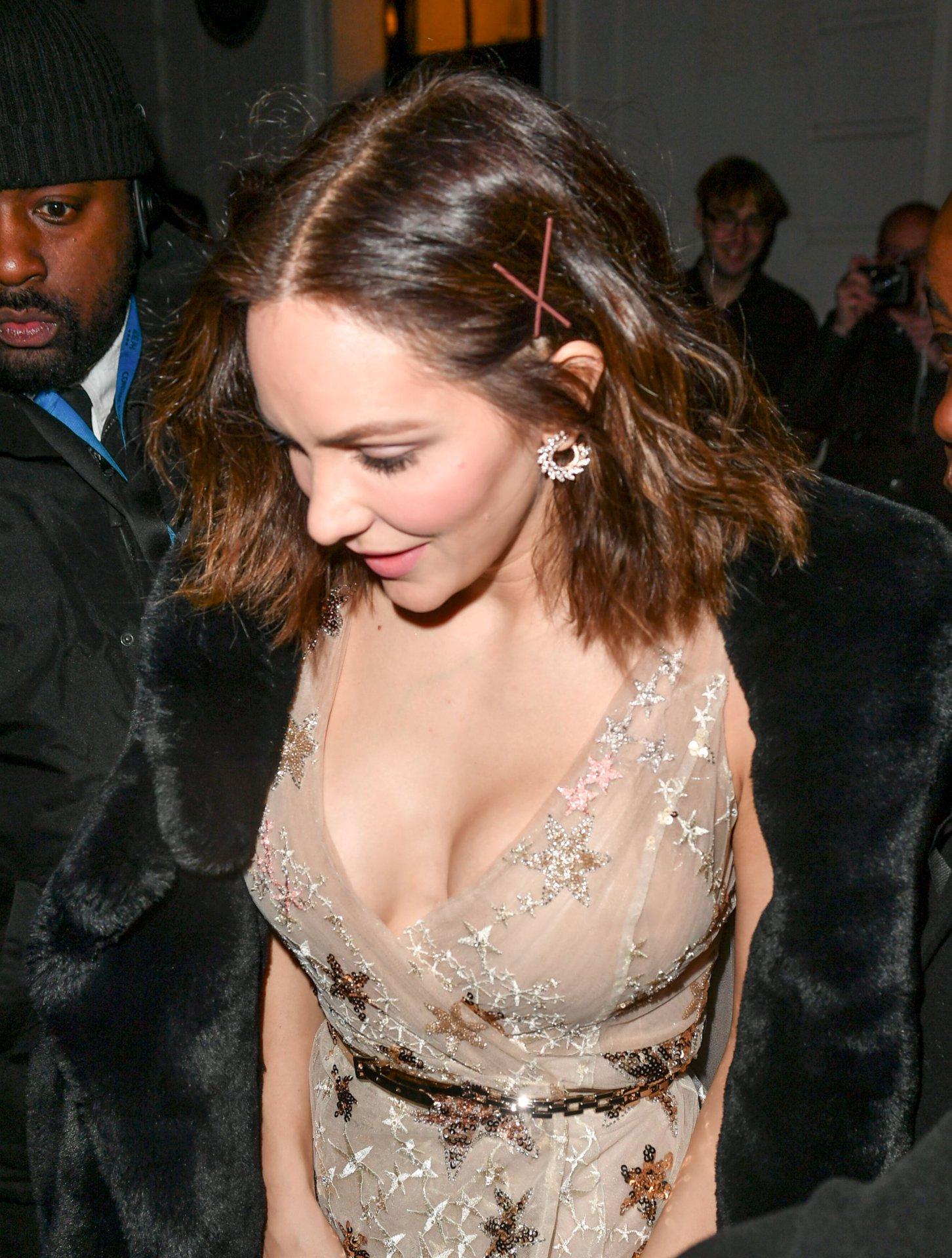 Katharine mcphee sexy boobs
