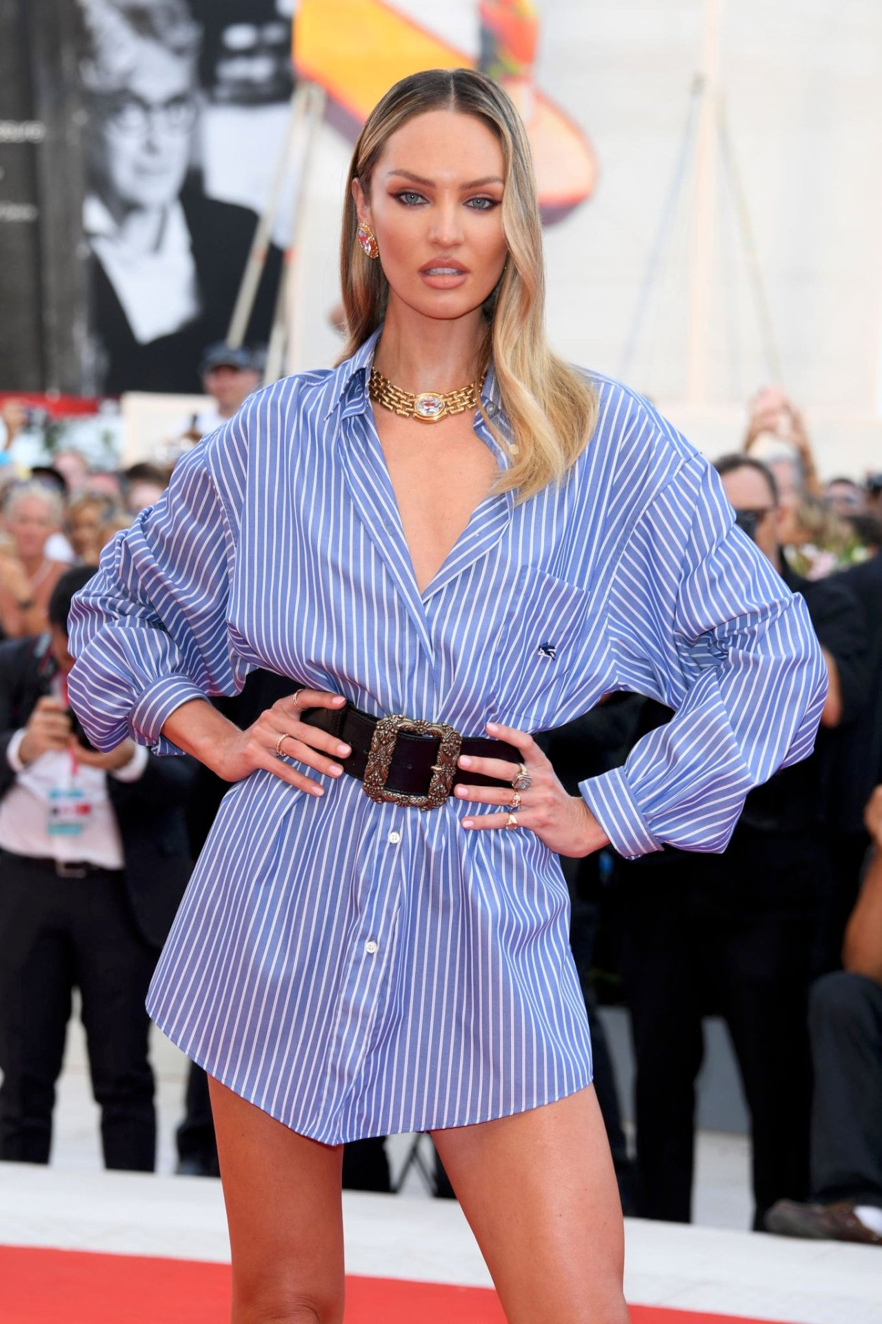 Candice Swanepoel - Braless Candids in Milan - Hot Celebs Home
