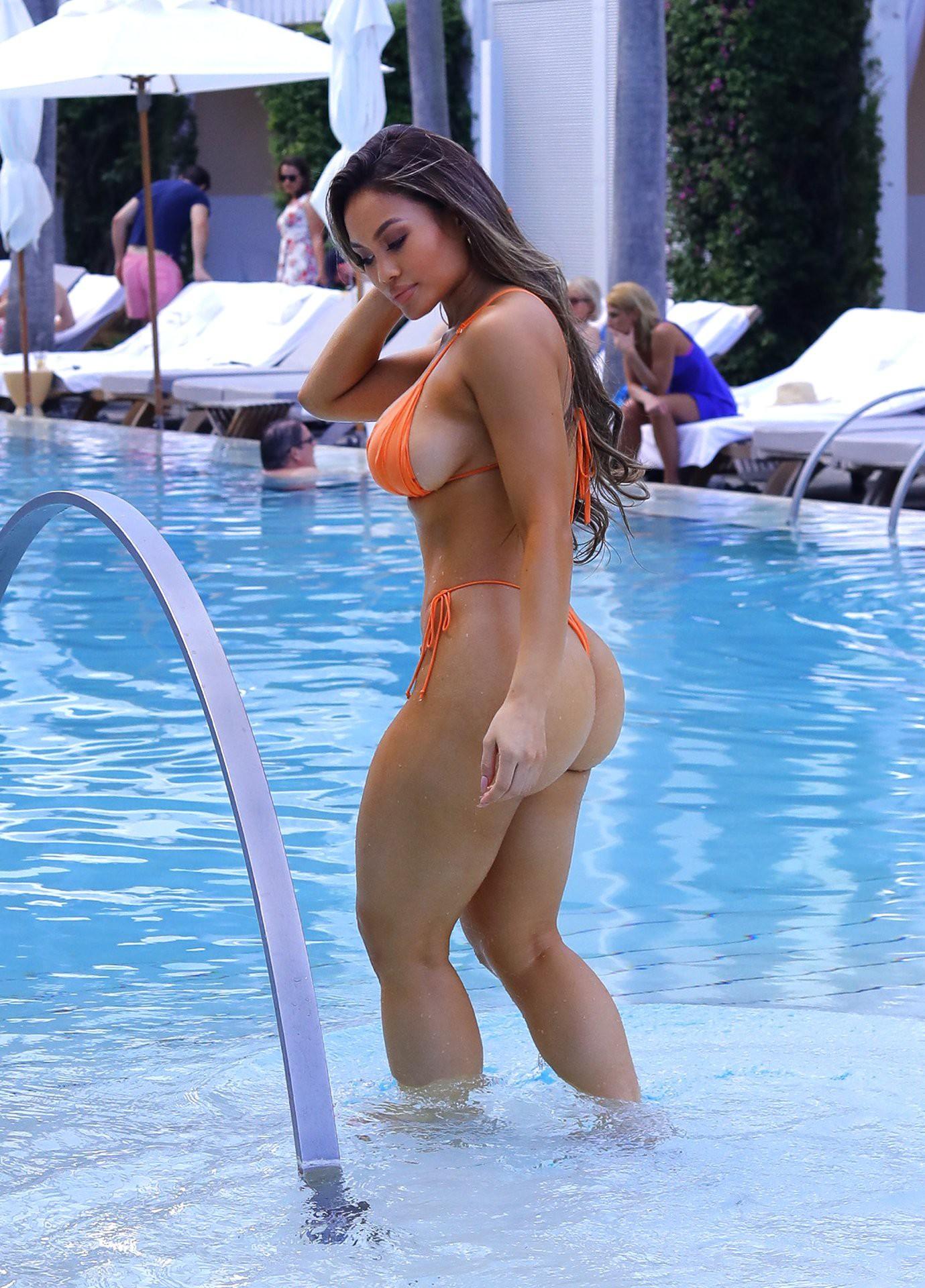 Tits daphne joy Sexy Daphne