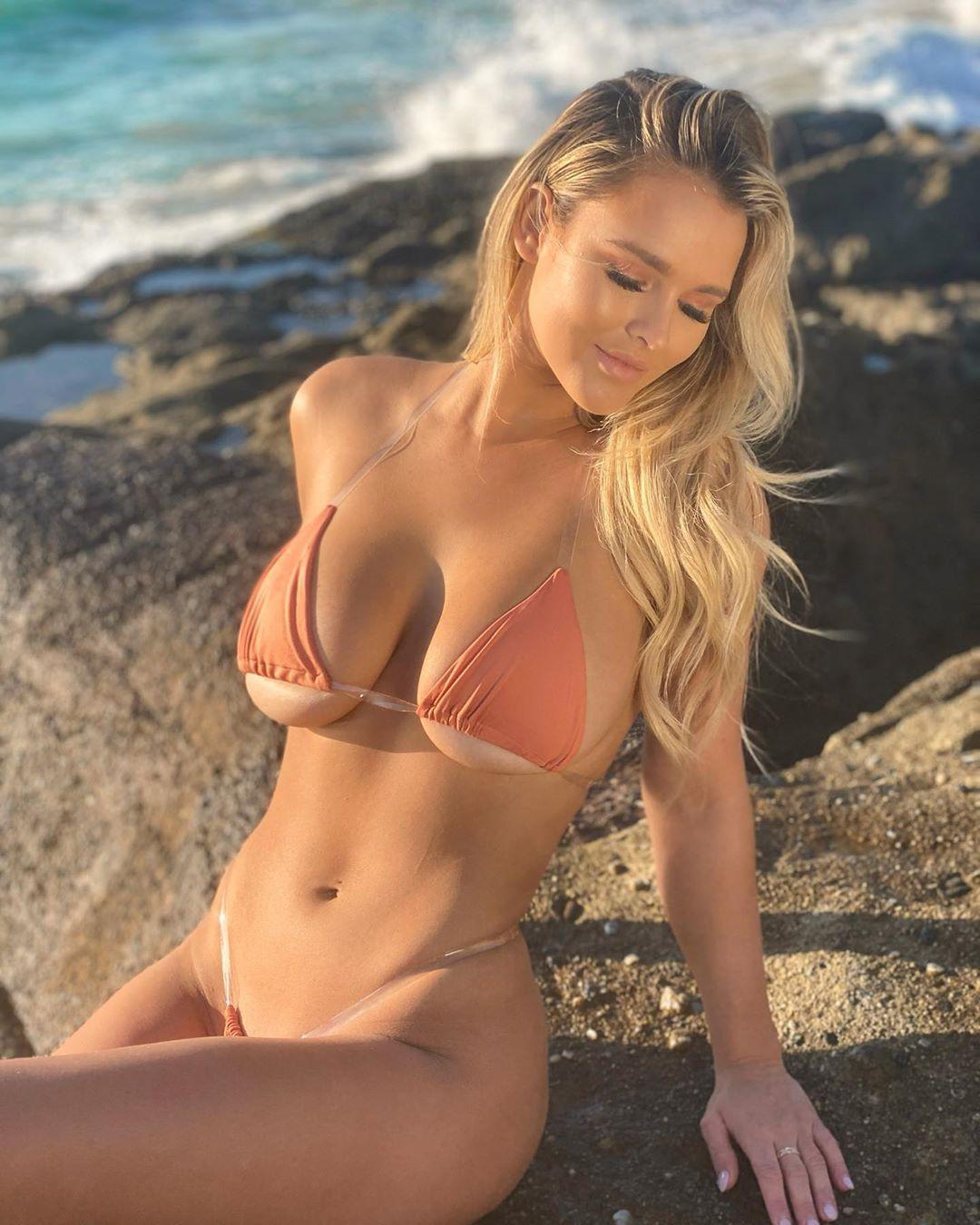 Kinsey Golden nude   FitNakedGirls.com