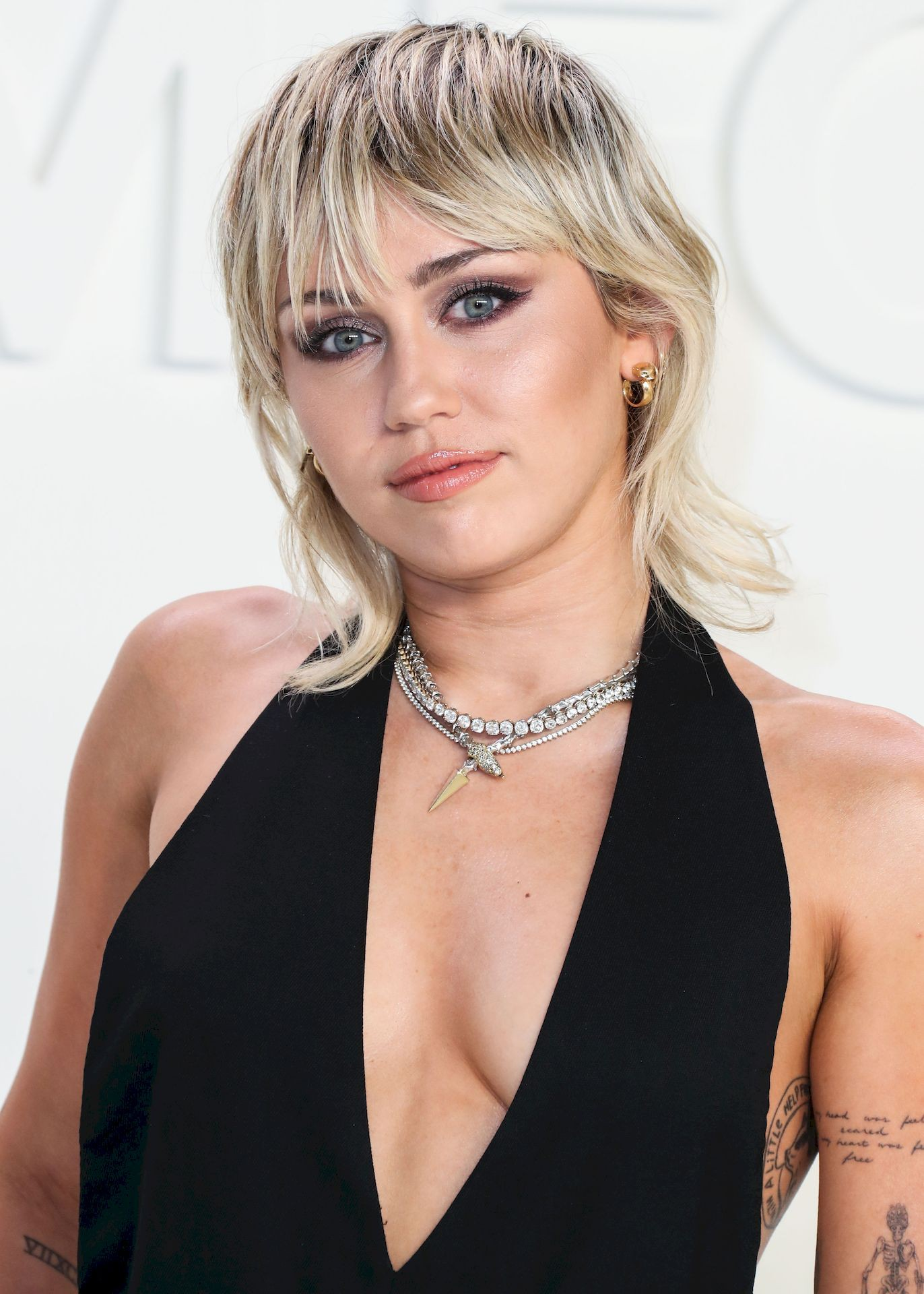 [PICS] Kate Hudson Topless & Miley Cyrus Nude Hacks - Suki