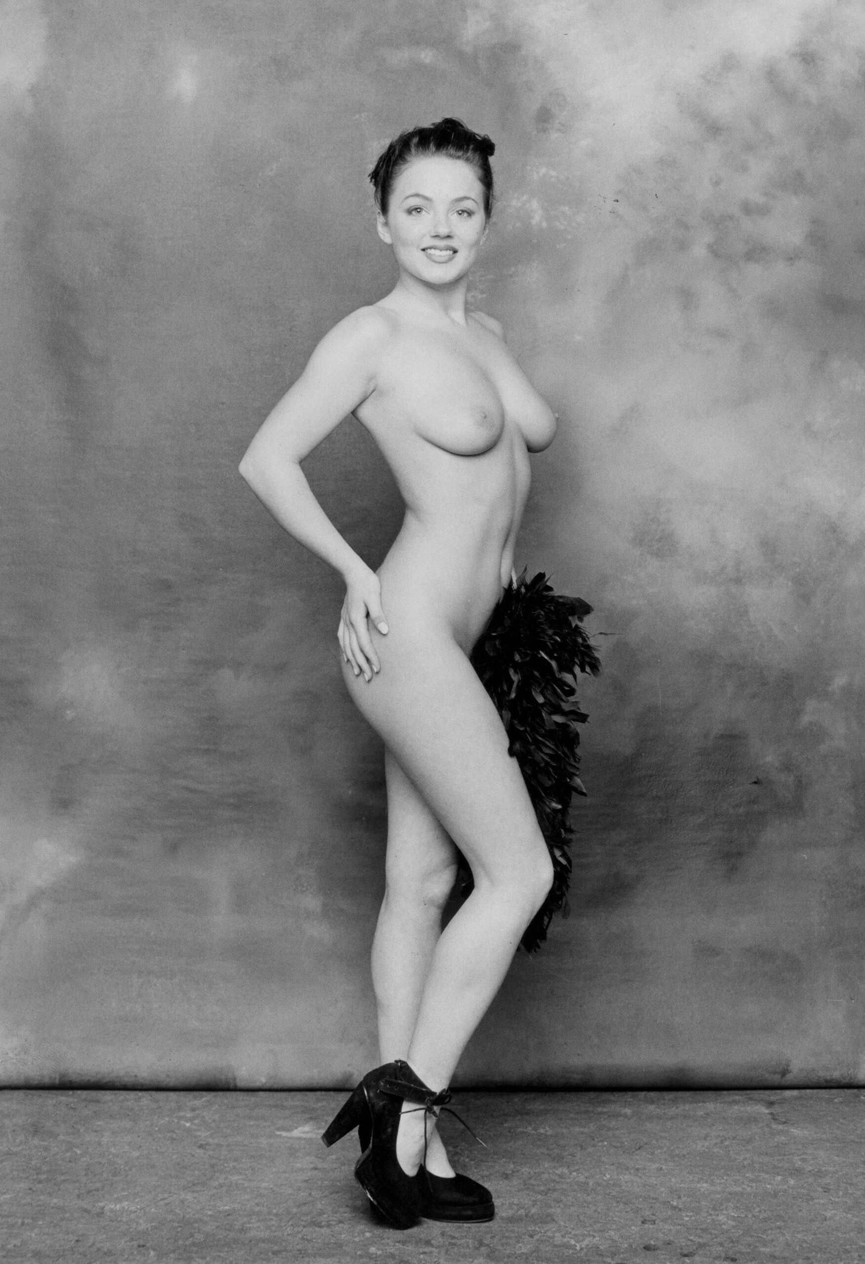 geri-halliwell-naked-boobs-ffm