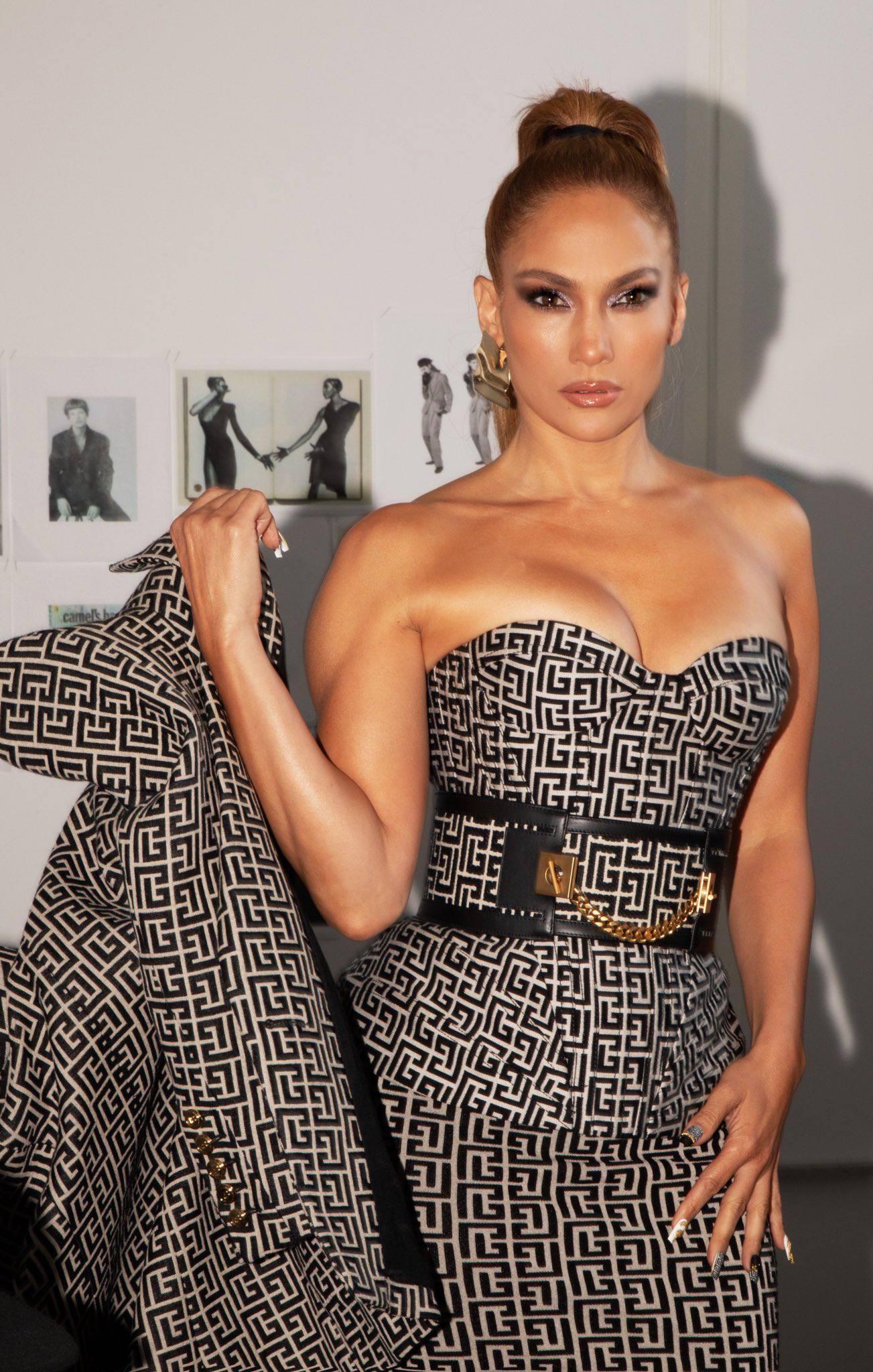 Jennifer Lopez In Red Bikini | Hot Celebs Home
