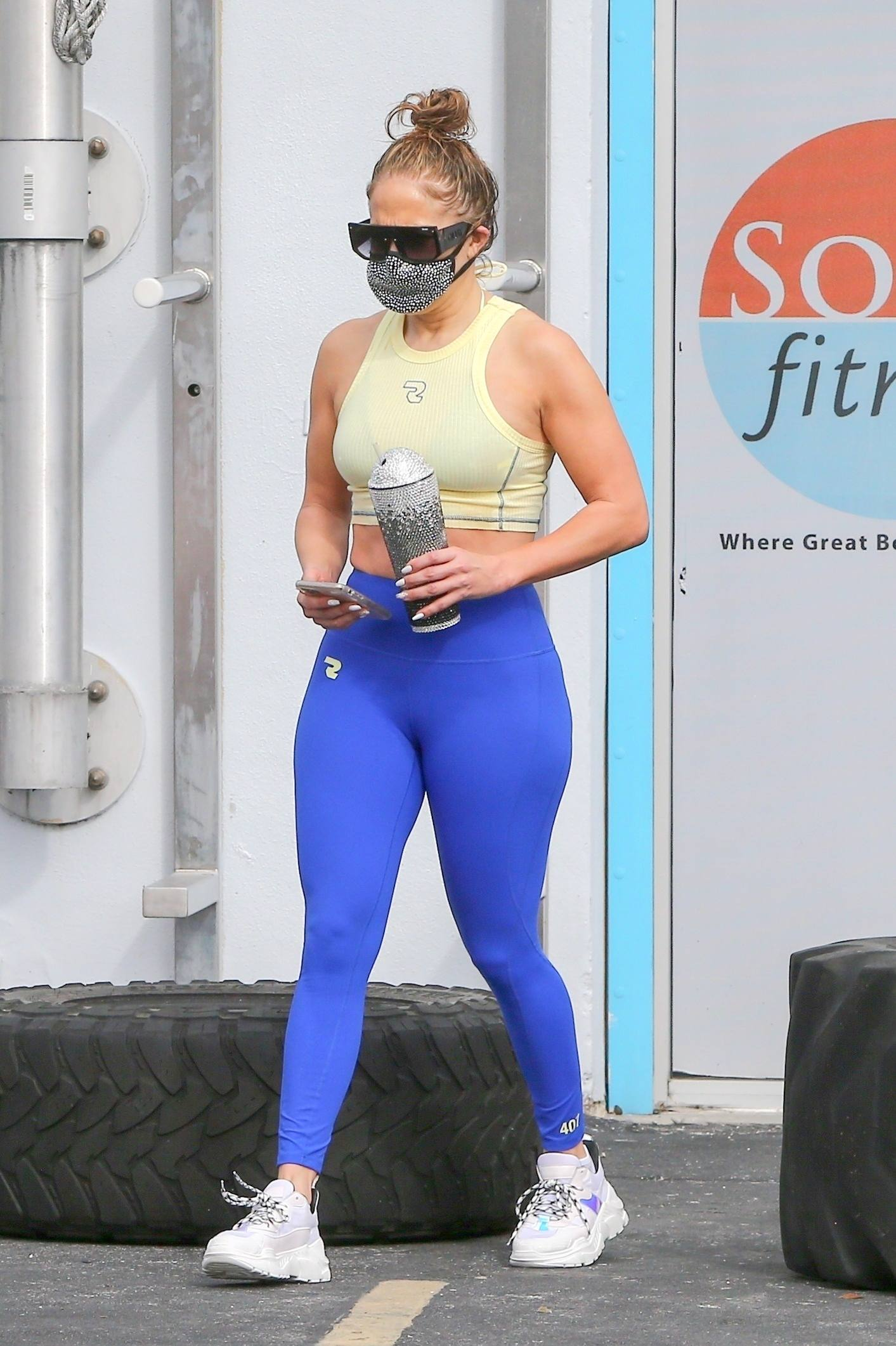 Jennifer Lopez Ass in Tight Red #Leggings Out in #Miami #