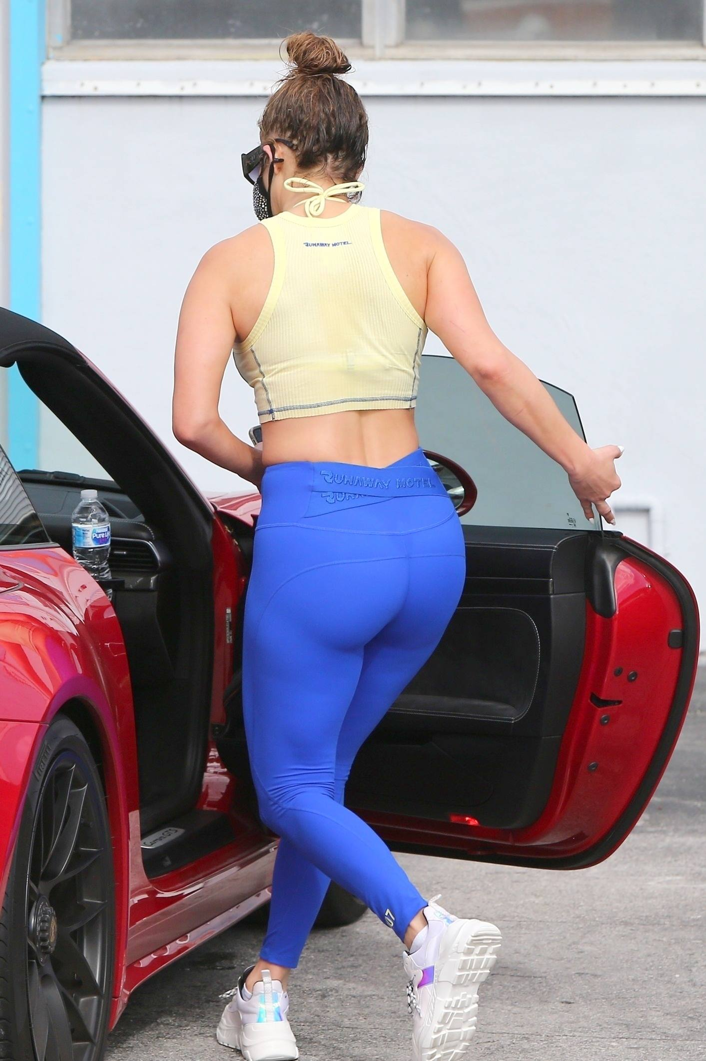 70+ Hot Pictures Of Jennifer Lopez Prove That She Has The